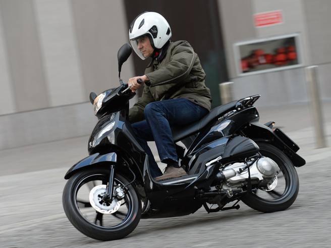 quelle formule vous couvre le mieux pour assurer votre scooter 125 importateur quad scooter moto. Black Bedroom Furniture Sets. Home Design Ideas